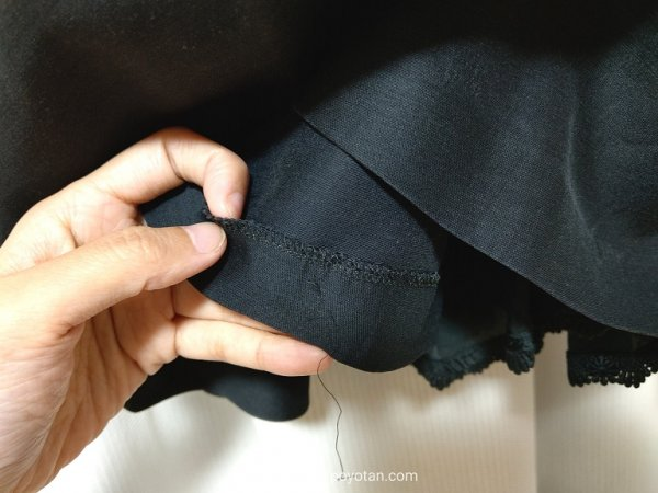 ブリスタのFOXEYワンピースレンタル:裾がほつれていた