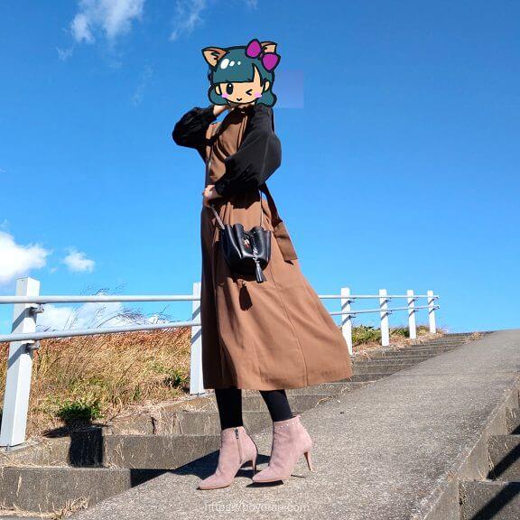 エディストクローゼットのブラウスとジャンパースカート